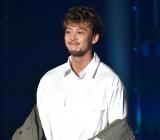 『第32回 マイナビ 東京ガールズコレクション 2021 SPRING/SUMMER』に登場した竹内涼真 (C)ORICON NewS inc.