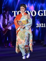『第32回 マイナビ 東京ガールズコレクション 2021 SPRING/SUMMER』に登場した紺野彩夏 (C)ORICON NewS inc.
