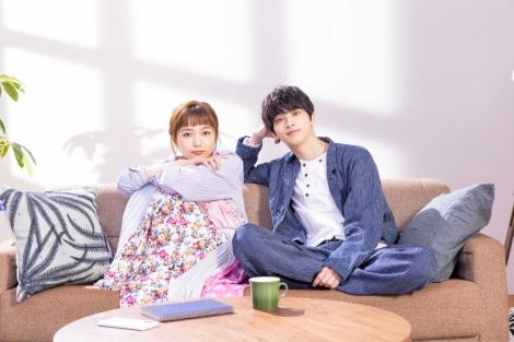 4月スタートの新ドラマ『着飾る恋には理由があって』で共演する(左から)川口春奈、横浜流星 (C)TBS