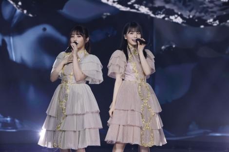 (左から)与田祐希、大園桃子=『乃木坂46 9th YEAR BIRTHDAY LIVE』より