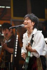 『40周年 ライブツアー「年中模索」〜しばらくは、コール & ノーレスポンスで〜』を開催したスターダスト☆レビュー