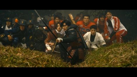 映画『ブレイブ -群青戦記-』より (C)2021「ブレイブ -群青戦記-」製作委員会(C)笠原真樹/集英社