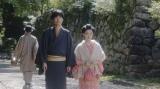 嵐山の旅館へ、ある人に会いに来た千代(杉咲花)と一平(成田凌)=連続テレビ小説『おちょやん』第13週・第63回より (C)NHK