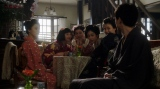 カフェーキネマ・店内で千代と話しをする一同=連続テレビ小説『おちょやん』第13週・第63回より (C)NHK