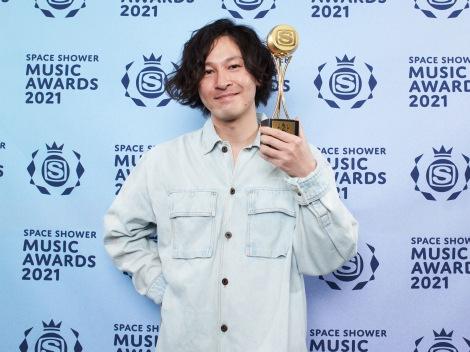 「BEST ALTERNATIVE ARTIST」受賞のROTH BART BARON