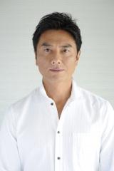 4月から『バラいろダンディ』のMCに就任することが決定した原田龍二
