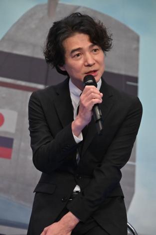 スペシャルドラマ『エアガール』製作発表会見に出席した吉岡秀隆(C)テレビ朝日