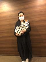 愛娘との初めての外出を報告した平野ノラ(オフィシャルブログより)