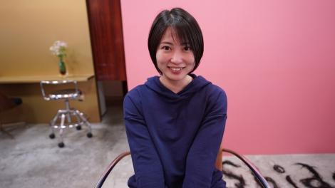 髪を切る様子を公開した志田未来