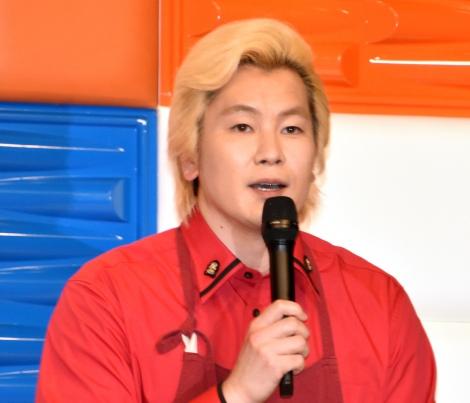 テレビ朝日系『家事ヤロウ!!!』記者会見 に出席したメイプル超合金・カズレーザー (C)ORICON NewS inc.