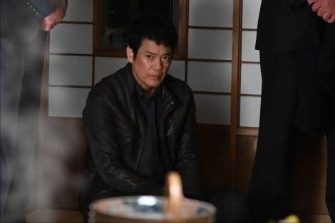 テロ組織に拘束される獅堂現馬(唐沢寿明)=『24 JAPAN』第22話(3月12日放送)より(C)テレビ朝日