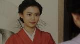 シズと話しをする千代(杉咲花)=連続テレビ小説『おちょやん』第16週・第76回より (C)NHK