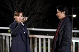 『天国と地獄〜サイコな2人〜』最終回より(左から)綾瀬はるか、高橋一生 (C)TBS