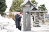 「やりなおし神社」と呼ばれる、大阪・姫嶋神社で『劇場版シグナル  長期未解決事件捜査班』(4月2日公開)の大ヒット祈願を行った坂口健太郎