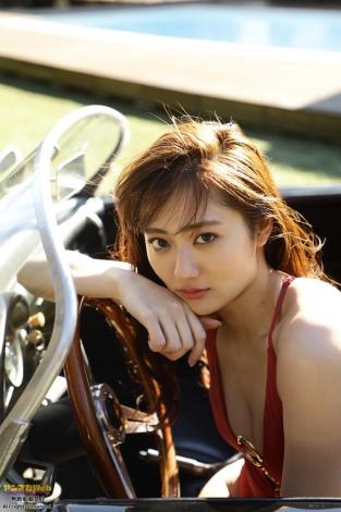 『ヤンマガWeb』に登場した奥山かずさ(C)竹内裕二/ヤンマガWeb