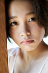 『週刊プレイボーイ』3&4号に登場する新田あゆな
