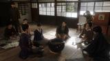 これからのことについて話しをする鶴亀家庭劇一同=連続テレビ小説『おちょやん』第17週・第81回より (C)NHK
