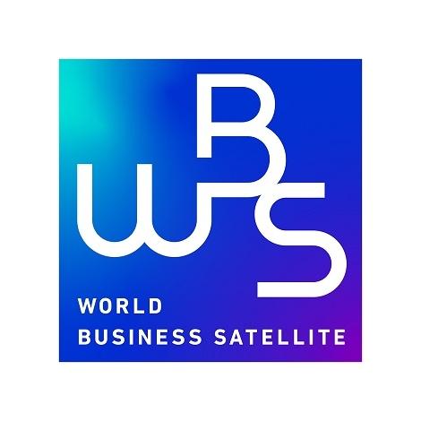 『WBSワールドビジネスサテライト』メインキャスターの大江麻理子、佐々木明子。装いも新たにリニューアルスタート (C)テレビ東京