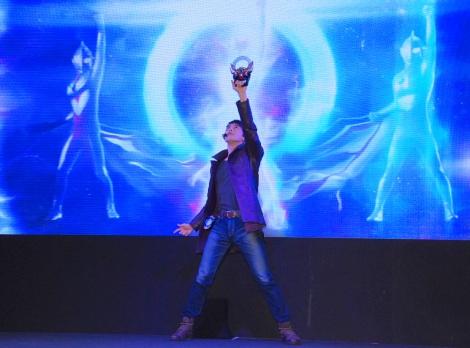 「光の力、おかりします!」=「ウルトラマン」シリーズ最新作『ウルトラマンオーブ』製作発表会の模様 (C)ORICON NewS inc.