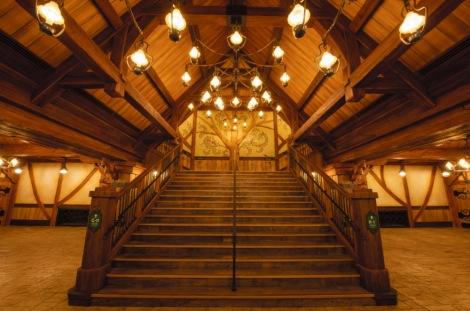 東京ディズニーランド新施設『ファンタジーランド・フォレストシアター』内装 (C)Disney