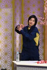仮面ライダーエグゼイドの変身ポーズを披露した飯島寛騎