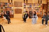 いきものがかりとのトークに大爆笑する番組責任者・大泉洋(C)NHK