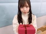 『日向撮』公式ツイッターの動画に登場した日向坂46・齊藤京子
