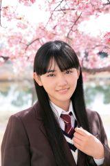 『週刊少年サンデー』19号表紙を飾る櫻坂46・山崎天