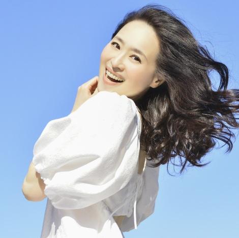 2ndシングル「青い珊瑚礁」をセルフカバーした松田聖子