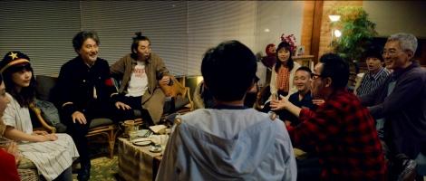 映画『バイプレイヤーズ〜もしも100人の名脇役が映画を作ったら〜』 (C)2021「映画 バイプレイヤーズ」製作委員会