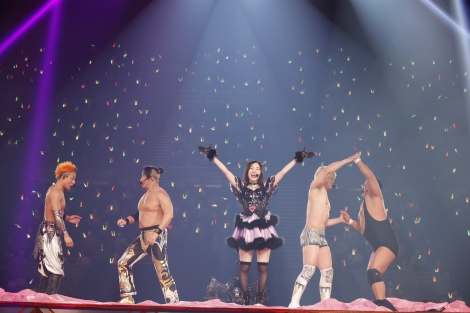 プロレス好きな松井珠理奈の卒業コンサート昼公演にNOAH4選手が参戦(C)2021 Zest,Inc. / AEI