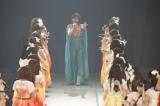 最後はメンバーが作った花道を通り抜けてステージを後にした松井珠理奈