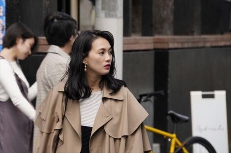 礼(臼田あさ美)=『珈琲いかがでしょう』テレビ東京系で4月12日放送、第2話「キラキラ珈琲」 (C)「珈琲いかがでしょう」製作委員会