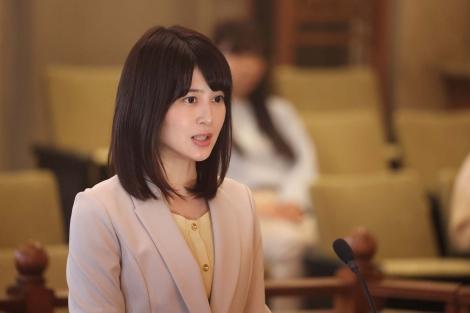 『イチケイのカラス』にゲスト出演する佐津川愛美(C)フジテレビ