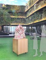 フラワーコラボレーター志村大介氏による桜のアート