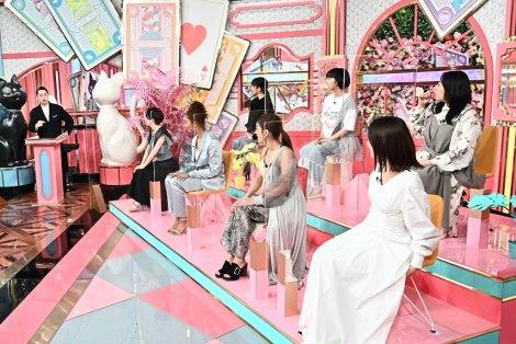 14日放送『オモテガール裏ガール』スタジオの様子 (C)TBS
