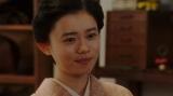 劇団員と話しをする千代(杉咲花)=連続テレビ小説『おちょやん』第19週・第94回より (C)NHK