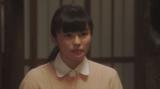焼け跡での「マットン婆さん」の芝居を見て、鶴亀新喜劇への加入を決意した朝日奈灯子(小西はる)=連続テレビ小説『おちょやん』第19週・第93回より (C)NHK