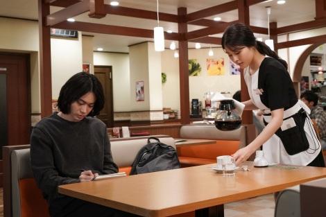 17日放送スタートの『コントが始まる』に出演する菅田将暉、有村架純 (C)日本テレビ