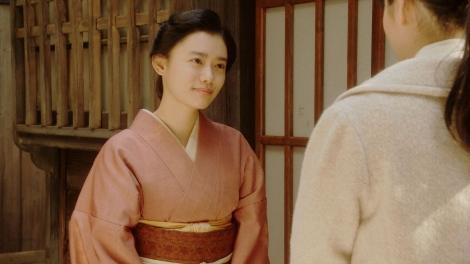 灯子と話しをする千代(杉咲花)=連続テレビ小説『おちょやん』第20週・第96回より  (C)NHK