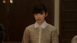 みんなにあることを言う朝日奈灯子(小西はる)=連続テレビ小説『おちょやん』第20週・第96回より  (C)NHK