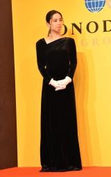 中村アン、黒ドレス姿を披露