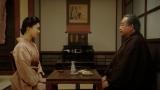 岡福で大山鶴蔵(中村鴈治郎)と話しをする千代(杉咲花)=連続テレビ小説『おちょやん』第20週・第97回より (C)NHK