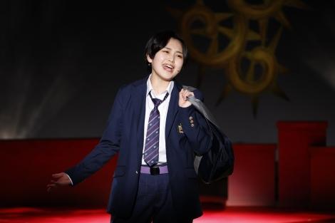 主人公の男子高校生を演じる平井美葉