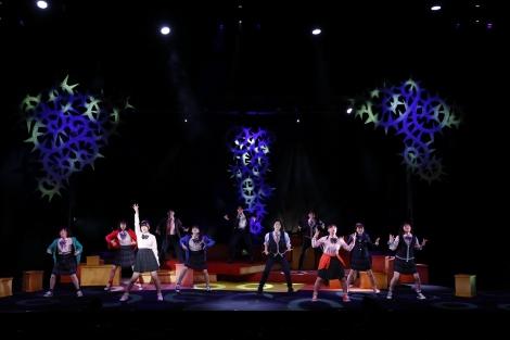 BEYOOOOONDSが出演する舞台『眠れる森のビヨ』より
