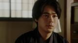 灯子(小西はる)と話しをする一平(成田凌)=連続テレビ小説『おちょやん』第20週・第98回より (C)NHK