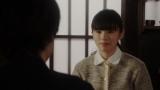 一平と話しをする灯子(小西はる)=連続テレビ小説『おちょやん』第20週・第98回より (C)NHK