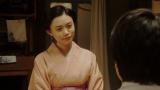 寛治と話しをする千代(杉咲花)=連続テレビ小説『おちょやん』第20週・第99回より (C)NHK