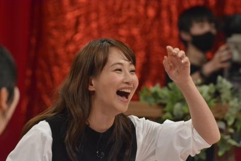 22日放送『ダウンタウンDX芸人の奥さま大集合スペシャル!』に出演する藤本美貴 (C)読売テレビ