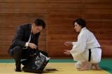 テレビ朝日系木曜ドラマ『桜の塔』第2話より(左から)広末涼子、玉木宏 (C)テレビ朝日